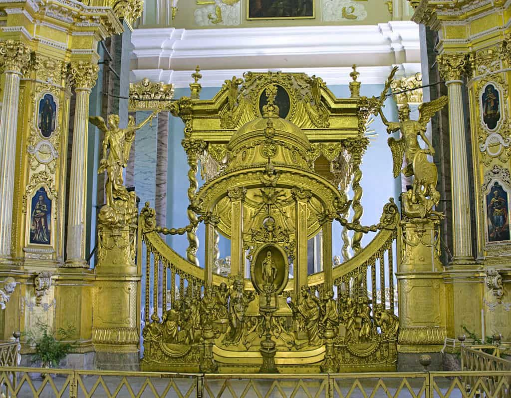 царские врата петропавловского собора