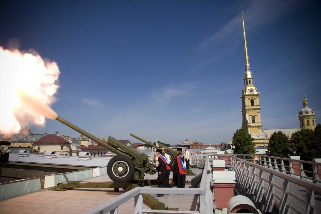 пушка в петропавловской крепости