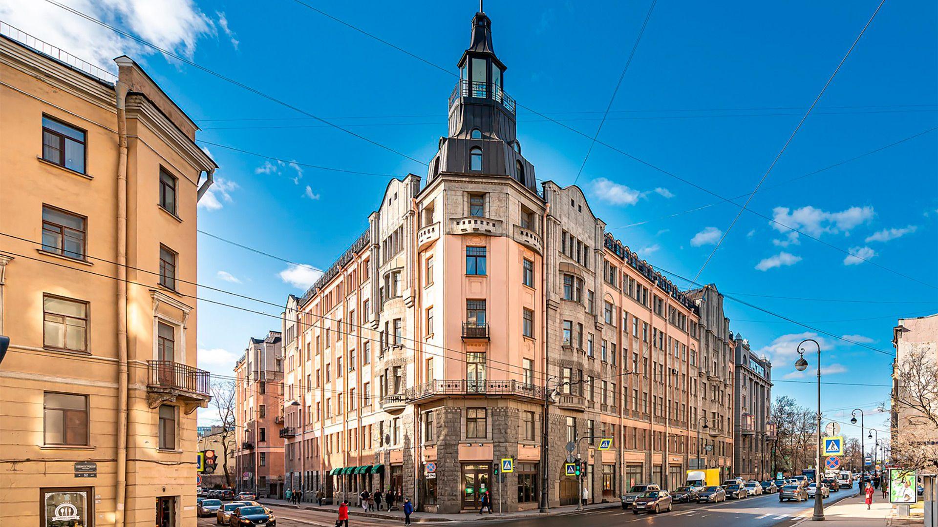 Экскурсия «Вокруг Петроградской»